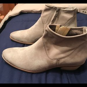 NWT Paul Green boots